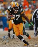 Eddie Lacy Autographed 16x20 Packers Vertical Running Photo- JSA Authenticated
